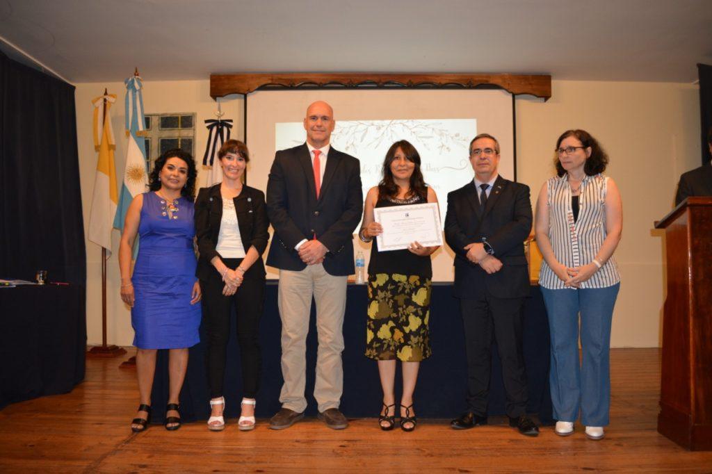 Entrega de certificados a docentes del ISSP